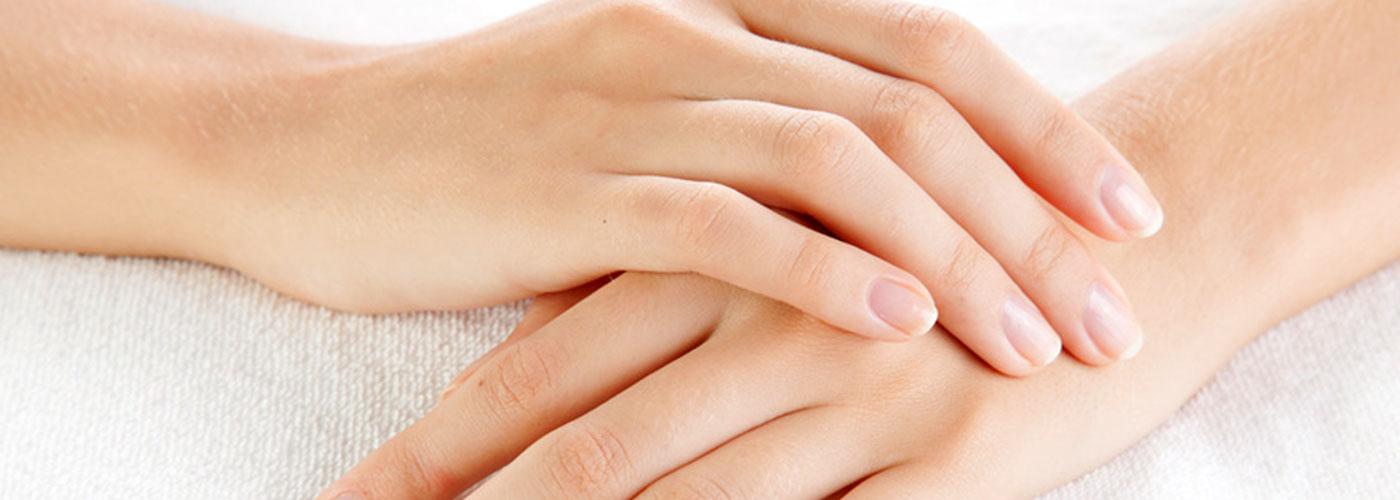 Injection d'acide hyaluronique pour les mains - Centre Marais Esthétique